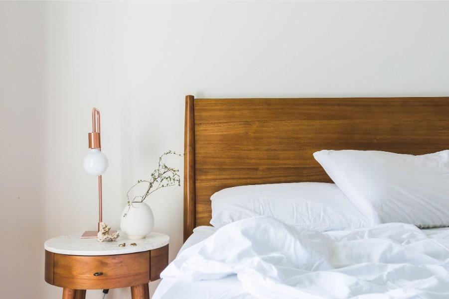 white bedroom blanket